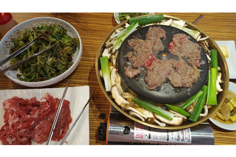 Hanu Bulgogi with Hot Soup at The Mat in Daeyeon-dong