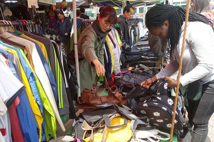 Discover hidden treasures at Seoul flea markets