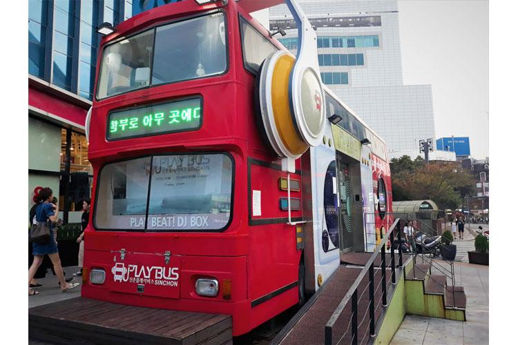 Sinchon Playbus (Photos by Chihon Kim)