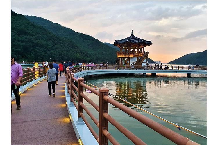 Photos by ChiHon Kim: Baeksegyo Bridge