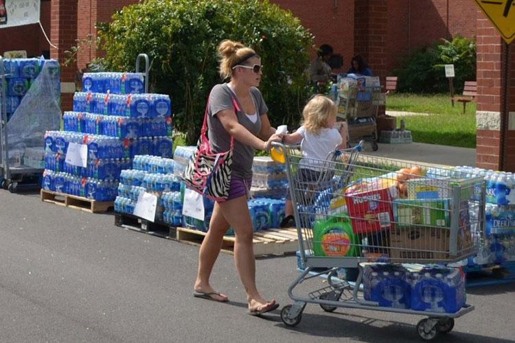 Commissary sidewalk sales normally scheduled for April and May have been cancelled. (DeCA photo)