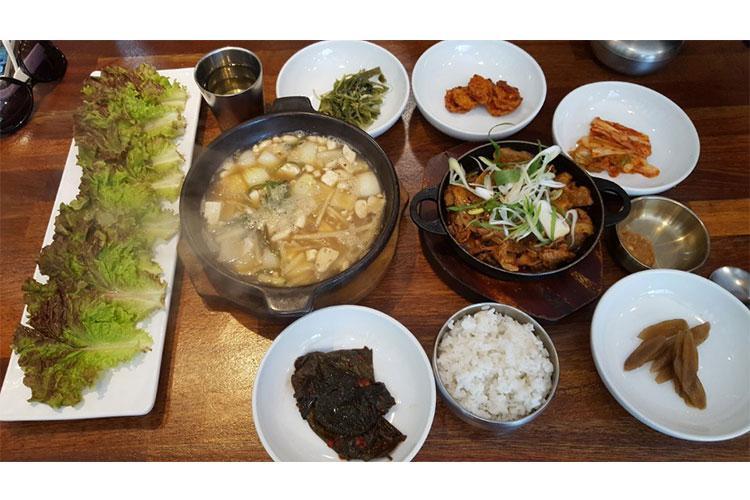 Ureong Ssambap Jeongsik for two people