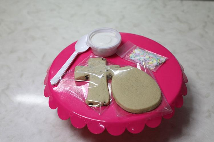 CAMP HUMPHREYS, Republic of Korea – The materials for a cookie making kit are laid out on a platter. Kits like this are being made by three home-based bakeries run by dependent personnel stationed at Camp Humphreys. The kits are being donated to Soldiers who are quarantined in barracks due to their exposure to the COVID 19 virus.