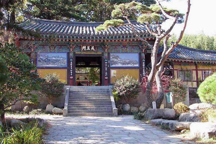Beomeosa's second gate, Cheonwangmun, or Gate of the Four Heavenly Kings was originally built in 1699 and houses the four kings or divas guarding the entrance of the temple. Beomeosa is a Buddhist temple in Busan, South Korea. Built on the slopes of Geumjeongsan, is one of the country's leading urban temples constructed in 678.
