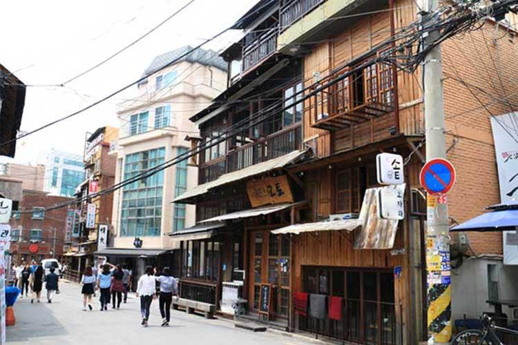 Hapjeong-dong Café Street (Photo credits: Korea Tourism Organization)