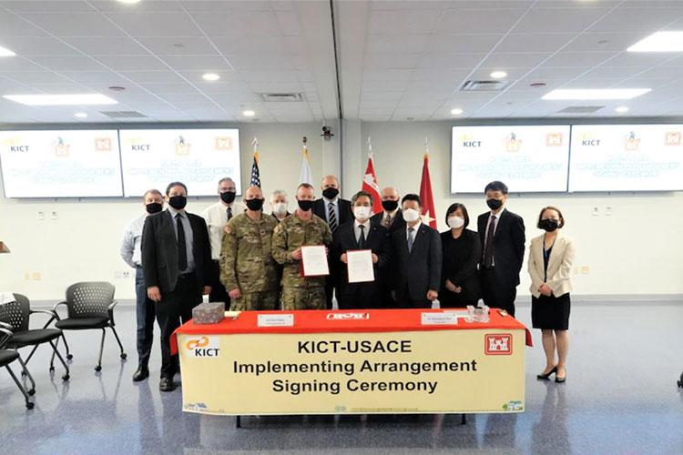 Senior leaders from the Korea Institute of Civil Engineering and Building Technology (KICT) tour the U.S. Army Corps of Engineers Far East District's Geotechnical and Environmental Engineering Branch laboratories, Aug. 27. Kim Kyong-ho (right), an FED chemist, briefs KICT senior leaders, during their visit.