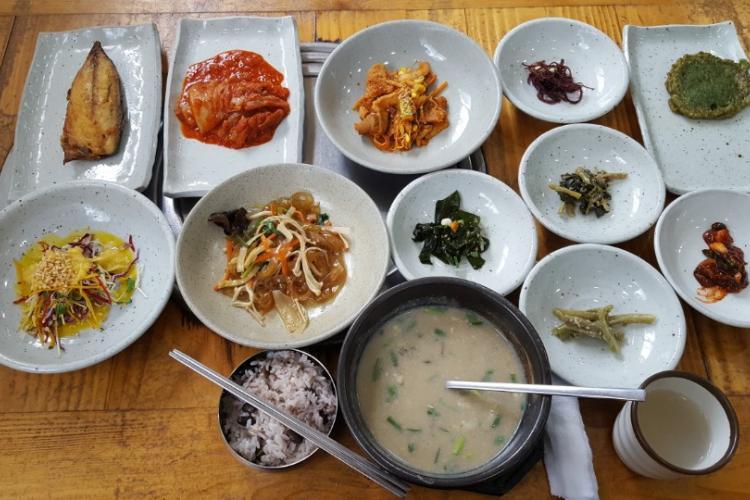 Hanjeongsik – 8,000 won